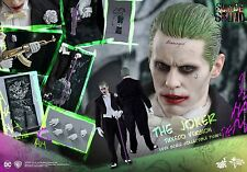 Hot Toys MMS395 Suicide Squad 1/6th Scale The Joker Figure Tuxedo Version