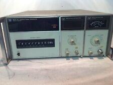 HP 8660A SUNTHESIZED SIGNAL GENERATOR W/ HP 86631B AUXILIARY & HP 86601A RF