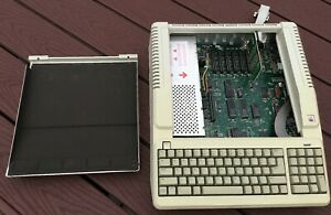Vintage Apple IIe WORKING and looking nice! MODEL A2S2128 w_19-pin disk card