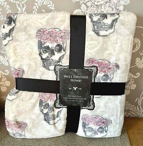 TK Maxx Halloween Grey Floral Skulls Oversize Soft Fleece Bed Sofa Blanket Throw