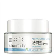 AVON NUTRA EFFECTS Hydration Feuchtigkeitsspendende Tagescreme ohne Parabene
