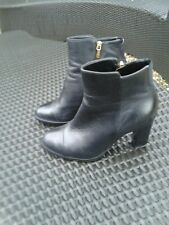Ladies Black CLARKS Artisan Leather Ankke Herled Boots 5.5 D