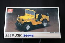 XJ065 ACADEMY 1/20 maquette voiture 1538 American Motors Jeep J3R motorisé