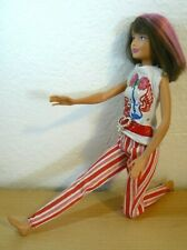 2010 Mattel Skipper Ball jointed legs Doll in white shirts & stripes pants