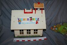 Vintage 1971-75 Fisher Price 923 Play Family School Little People REDUCED