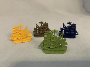 Pirates of the Caribbean Game Life Replacement Parts 4 Ship Movers Green Blue