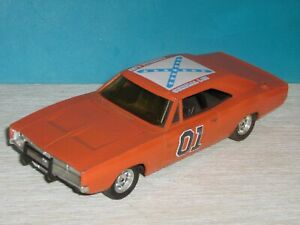 ERTL 7967 The Dukes of Hazzard 1:25 Scale General Lee 1969 Dodge Charger