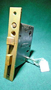 NORWALK #8284 PUSH BUTTON ENTRY LOCK with KEY - RECONDITIONED - NICE - (12805)