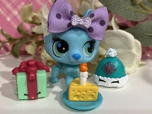 Authentic Littlest Pet Shop # 2787 Blue Blind Bag Husky Wolf Teal Eyes w Outfit