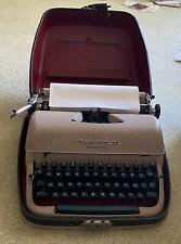 Vintage 1950s Remington Quiet-Riter Portable Typewriter w/Hard Case and Key