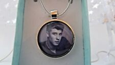 SHAWN MENDES PHOTO SILVER PLATED 18 INCH NECKLACE POP SINGER GIFT BOXED BIRTHDAY