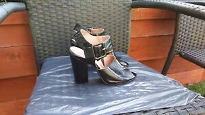 WORN ONCE LADIES BLACK PATENT LEATHER PEEPTOE SHOES BY NEXT SIZE 6.
