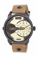 DIESEL DZ7338 Mini Daddy urbano Safari Doble Hora Cuadrante Reloj para Hombres Correa de Cuero