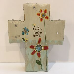 Natural Life - Cross Figurinne - Faith, Hope & Love - Flowers