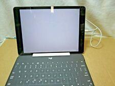 Apple iPad 7th Gen. 32GB, Wi-Fi, 10.2 in - Space Gray with Logi keyboard