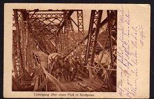 73660 AK Übergang über e. Fluß in Nordpolen Feldpost 1917 Brücke Behelfsbrücke