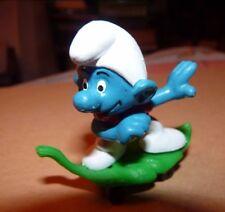 RARE figurine schtroumpf schleich PEYO GERMANY 78 SKATE SUR FEUILLE 6.5 X 6.5 CM