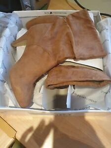 DOROTHY PERKINS Shelved Long Boots - Size 7 - BNIB - Tan