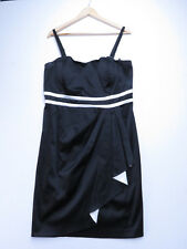 A-016 LADIES CITY CHIC BLACK AND WHITE STRETCH DRESS SIZE SMALL