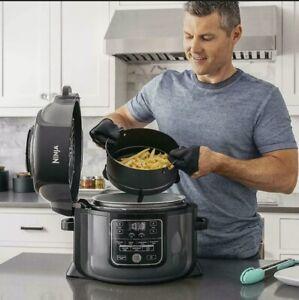 Ninja OP301 Cooker/Steamer 6.5QT Tender Crisp Technology Air Fryer RB LOOKS NEW