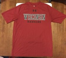 Under Armour Heat Gear Wisconsin Baadgers Loose Fit Short Sleeve Shirt. Men's M