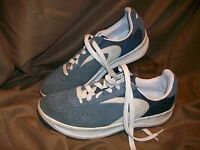 *USED* *WORN* XHILARATION WOMENS SZ 9 MENS SZ 7.5 GREY SUEDE ATHLETIC SHOES