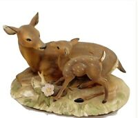 VINTAGE MASTERPIECE PORCELAIN BY HOMCO DEER WITH FAWN FIGURINE / 1979
