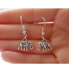 boucles d'oreilles pendantes elephant coloris argenté.