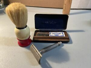 Vintage Gillette Double Edge Safety Razor Plus Case And Shave Brush