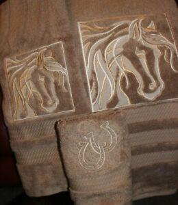 western bucking flower horse bath /& hand towel 2 piece set