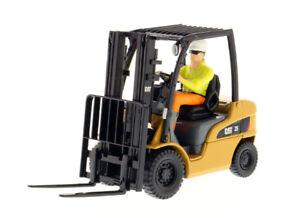 DCM85256 - Caterpillar 25 Lifter Wood Rockers Of Figurine