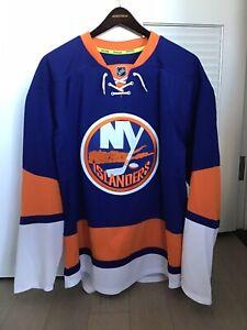 JOHN TAVARES New York Islanders Autographed SIGNED Hockey Jersey