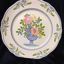 QUIMPER DINNER PLATE FLORAL BASKET VASE OR URN IN CENTER FLOWERS ASO71 KERALUC
