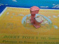 DINKY TOYS FRANCE MOBILIER MINIATURE SALLE DE BAINS REF 104 TOILETTE WC