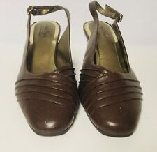 """SOFT STYLE Pleats As Punch Mid Brown Slingback Pumps 2"""" Heels H701193 (SIZE 10M)"""