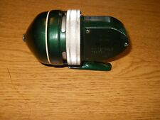 Vintage Shakespeare 1800 FE Deluxe Spin Cast Fishing Reel Green Nice Shine 1956