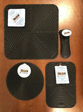 """Black"" Set LE CREUSET Silicone Skillet Handle Sleeve Trivet NWT Hot Pad Mat"