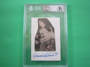 Maurice Richard Autographed 4x6 Index Card Beckett Authenticated