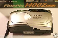 Fujifilm 1400 Zoom 1.3MP Cámara Digital-Gris metálico
