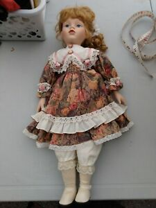 PORCELAIN DOLL VINTAGE GIRL WITH FLOWER DRESS