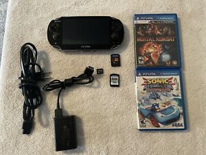 Sony PSVita 1001 console, V 3.73, with 2 games, charger 4gb Memory Card