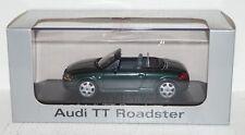 Minichamps AUDI TT Roadster Steppengras 1:43 in PC und OVP (R2_2_9)