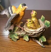 Tilso Oriole Bird Feeding Chicks in nest Figurine. Made in Japan. Hand Painted..