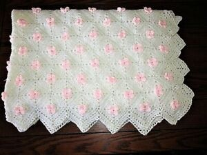 BEAUTIFUL WHITE W 3D PALE PINK ROSETTES HAND CROCHETED WOOL AFGHAN THROW BLANKET