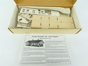 HO 1/87 Scale American Model Builders 127 UP Standard Depot Building Kit