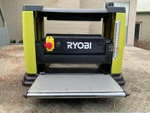 Ryobi 1500w planer-thicknesser RAP1500G