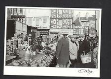 CHALON-sur-SAONE (71) MARCHAND de LEGUMES au Marché en 1983 / FAGE 96.810