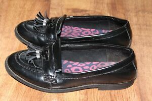 CLARKS SIZE UK 4 F PATENT LEATHER LADIES SHOES