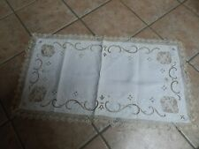 ANTIQUE ITALIANWHITE MADEIRA FIGURAL , EMBROIDERED TABLE RUNNER WITH LACE