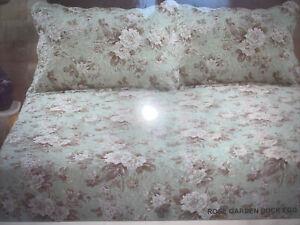 Country Garden bedspread & pillow shams duck egg Floral  design King Size!!!
